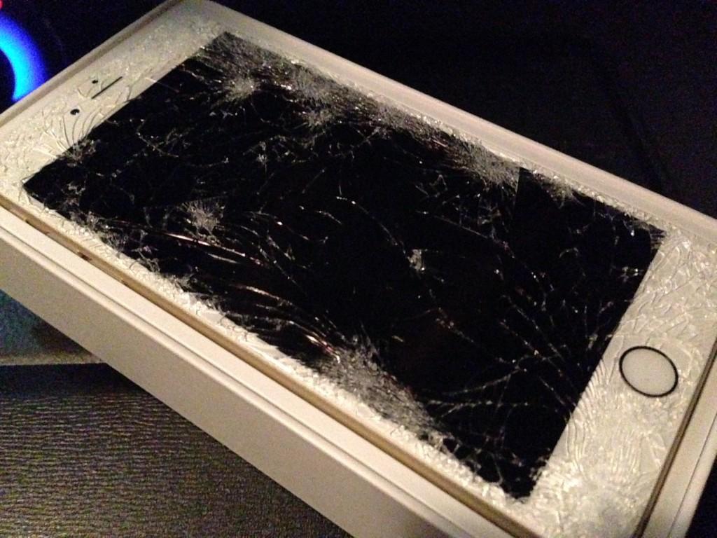 iPhone6 Plus 画面割れ